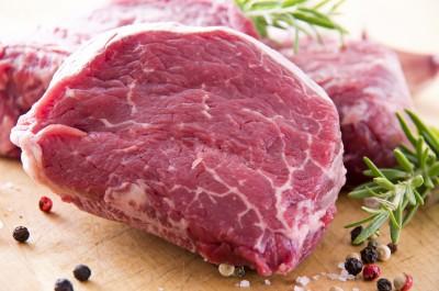 czerwone mięso z przyprawami