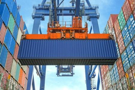 kontener ze zbożem przeznaczonym na eksport